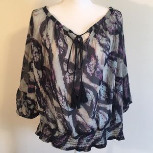 Paper tee blouse